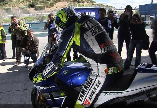 Rossi domina el segundo día de test en Jerez