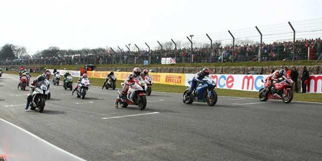 BSB: Byrne y Ellison se reparten las victorias en Brand Hatch Indy