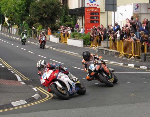 2013_Isle_of_Man_TT_Races_Photo_11_IMG_00025