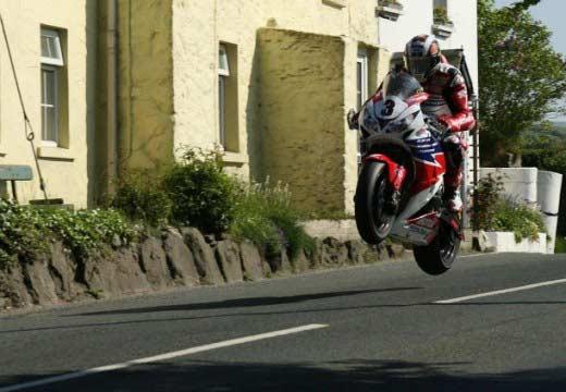 TT Isla de Man 2013: John McGuinnes logra su sexto Senior TT