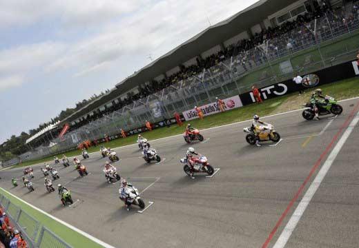 Ezpeleta anuncia una nueva categoría para Superbikes en 2014