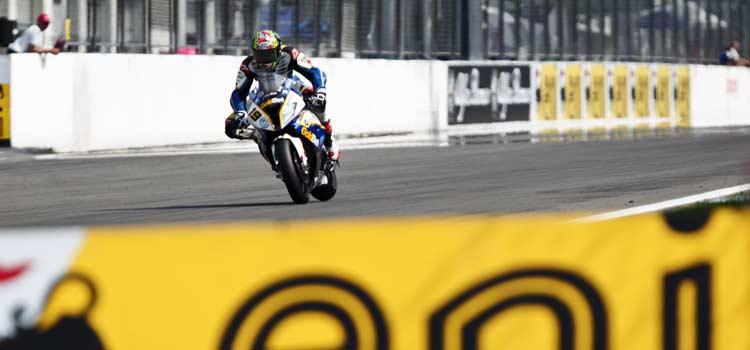 Davies y Lowes los más rápidos del primer día en  Nurburgring