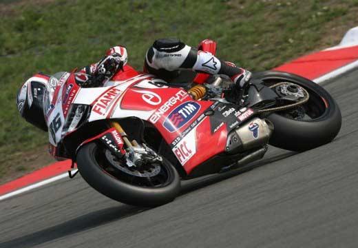 Decididas las poles para las categorías de Superbikes en Nürburgring