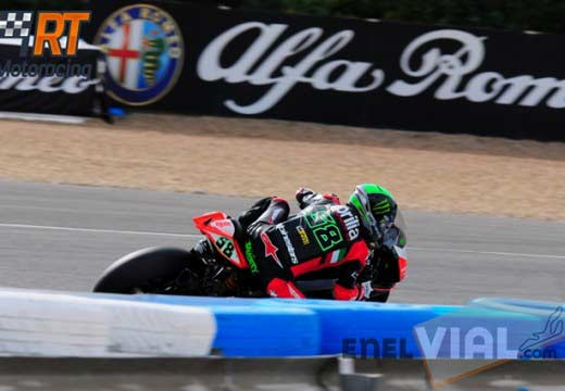 Laverty se lleva la pole position en Jerez