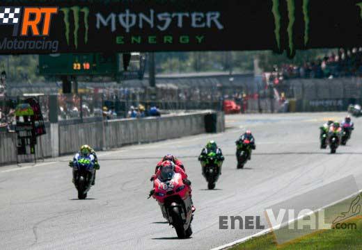 Ducati seguirá con Dovi y Crutchlow en 2015