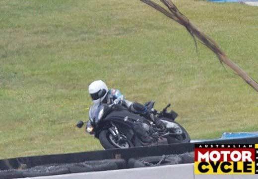 """La nueva Yamaha R1 """"de carreras"""" tendrá 230CV"""