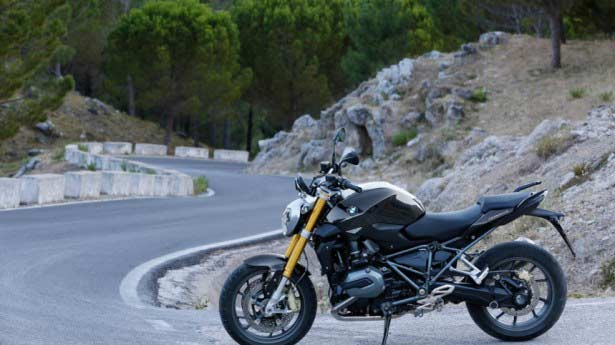 article-bmw-r-1200r-2015-542a7e9914a0f